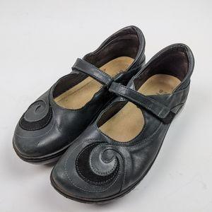 Naot Black Leather Mary Jane Velcro Flats 40 / 9